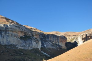 Drakensberg cliffs-sm